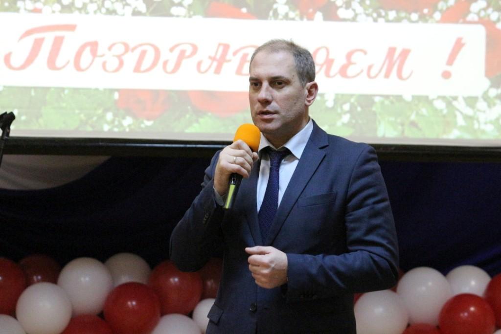 Заместитель начальника НШУ «Яреганефть» по управлению персоналом и общим вопросам Н.Ю.Кулябов